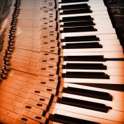 Aprende música disfrutando 2019. Lenguaje musical y piano para adultos